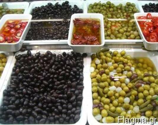 Оливки, томаты вяленые, перцы консервированные